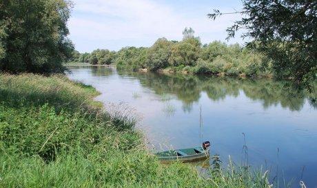 Réservation de camping avec rivière et activité pêche pour silure à Lays-sur-le-Doubs